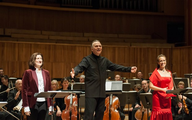 Sarah Connolly (Fantasio), Sir Mark Elder and Brenda Rae (Elsbeth)