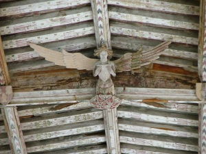 Blythburgh_church_-_roof_angel