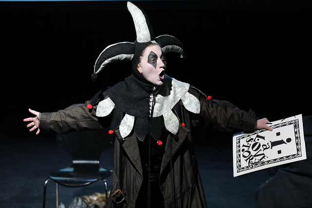 i The Opera Jester