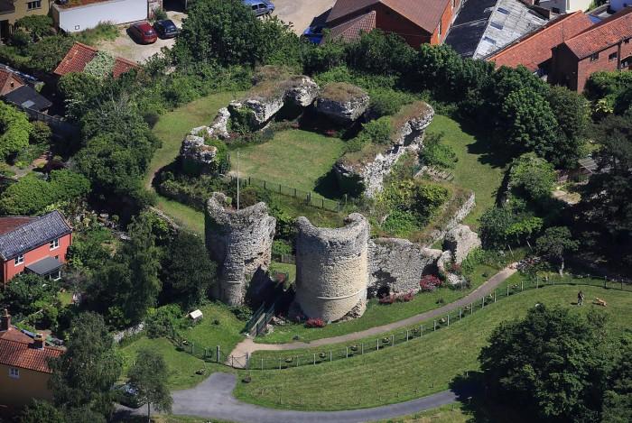 Bungay Castle aerial view